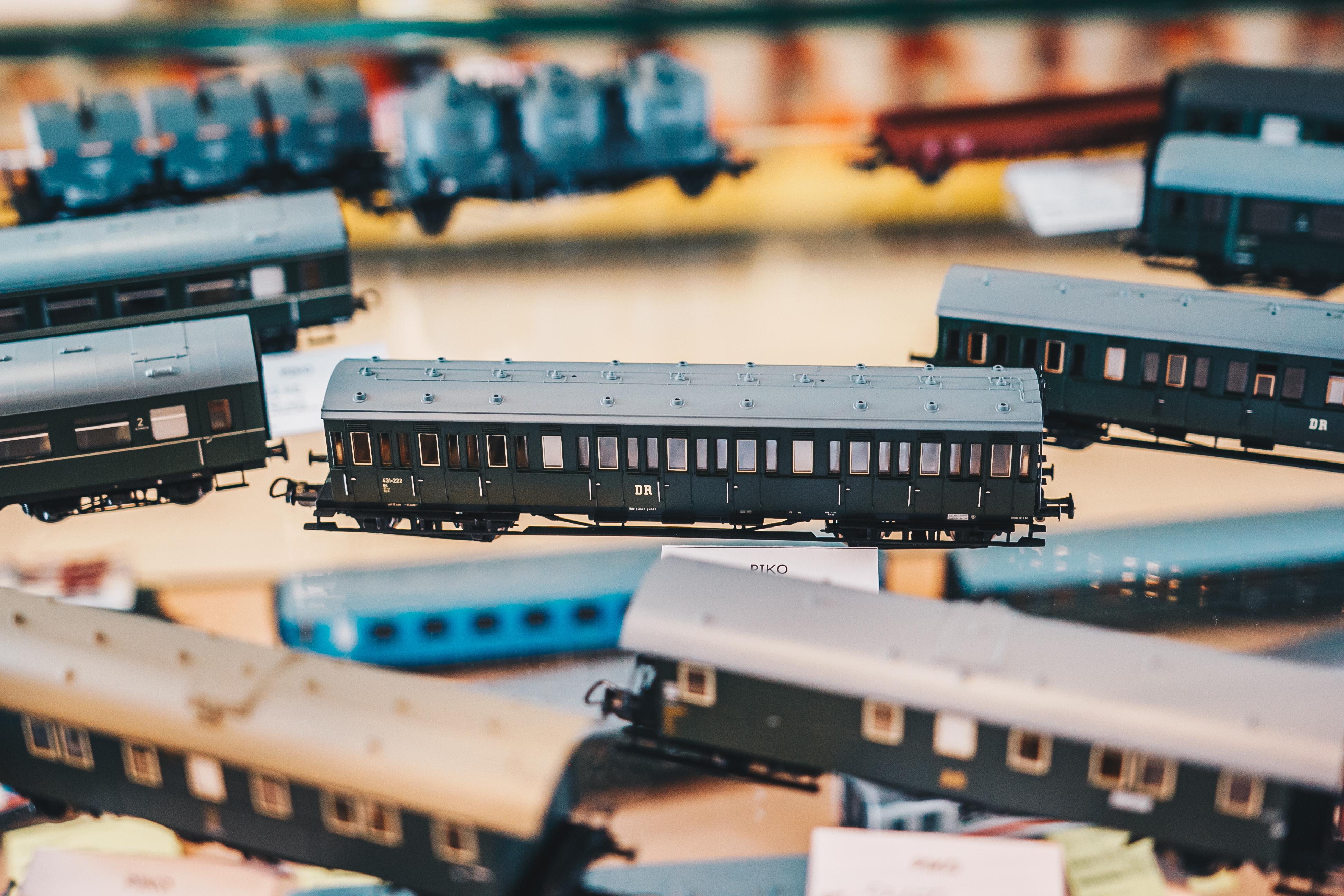 Potniški vagoni iz naše vitrine v članku izgubljena umetnost modelarstva